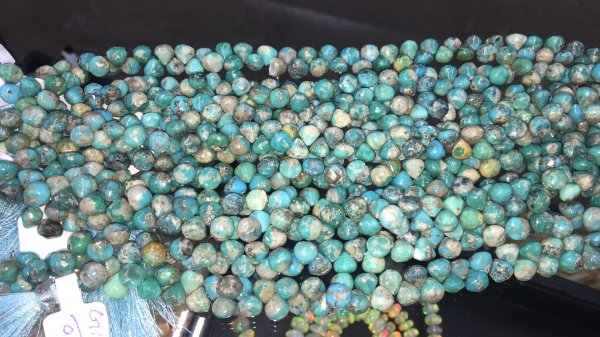 Arizona Turquoise Onions Faceted