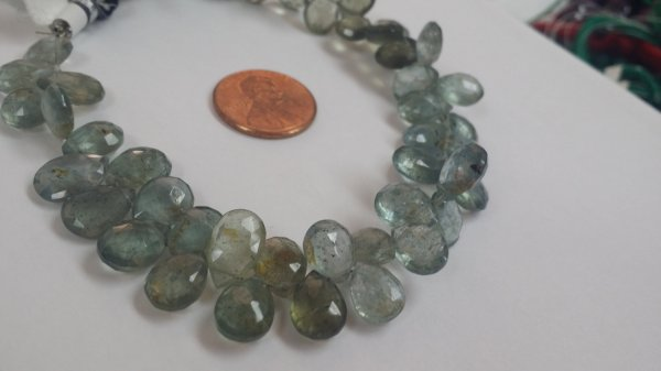 Moss Aquamarine Pears Faceted